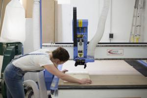 CNC Marseille, CNC, fraisage numérique, découpe, gravure, panneau, grand format, Marseille, bois, aluminum