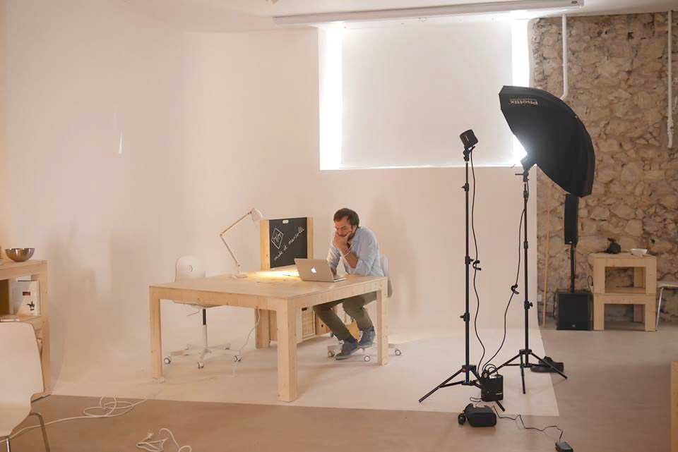 location studio photo marseille cyclorama quip make it marseille. Black Bedroom Furniture Sets. Home Design Ideas